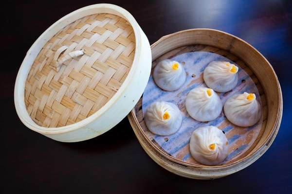 The steamed crabmeat and pork soup buns, a