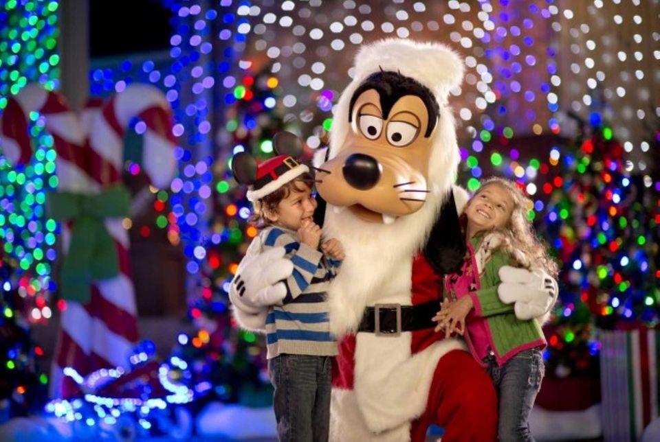 Santa Goofy joins the fun during Disney's Hollywood