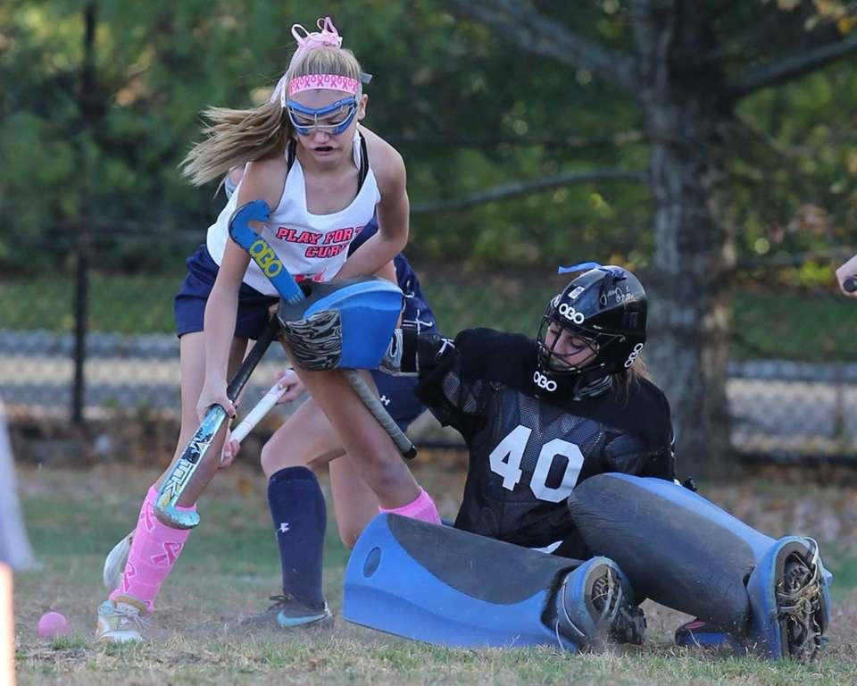 Bayport-Blue Point's Madalynn Fiorentine gets tangled up with
