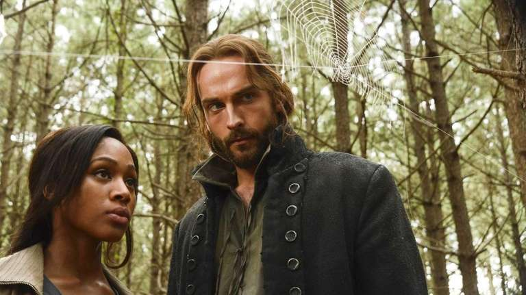 Lt. Abbie Mills (Nicole Beharie) and Ichabod Crane
