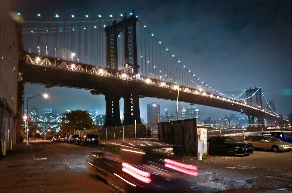 Streets under the Manhattan Bridge in the Dumbo