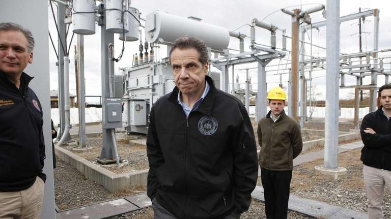 Governor Andrew Cuomo tours a LIPA substation in