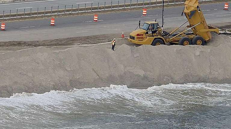 Work continues on Ocean Parkway at Gilgo Beach
