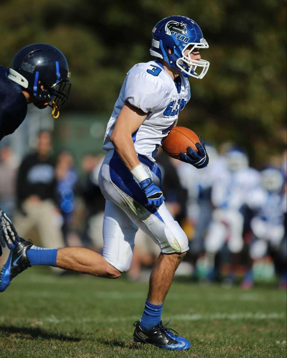 John Glenn wide receiver Steven Orkiszewski catches a