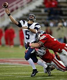 Stony Brook Seawolves defenders Jahrie Level (no. 13)