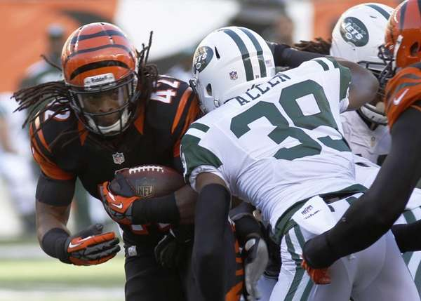 Cincinnati Bengals running back BenJarvus Green-Ellis (42) is