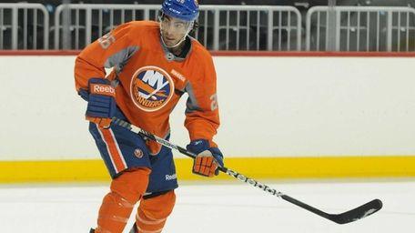 Islanders left wing Matt Moulson skates during the