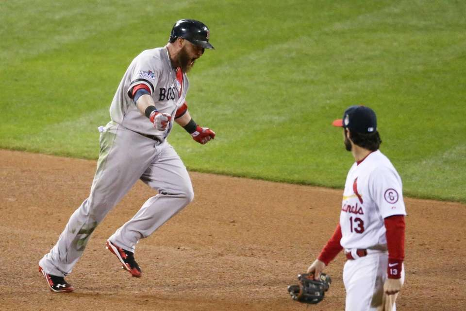 Red Sox hitter Jonny Gomes runs the bases