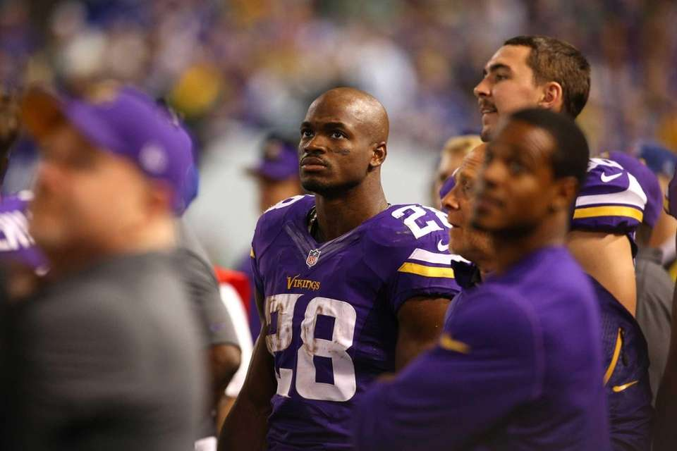 Adrian Peterson #28 of the Minnesota Vikings on