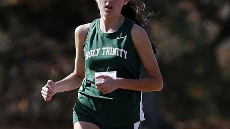 Marianne Bartolotta finished seventh in the girls varsity