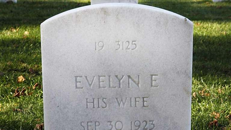 The headstone of Evelyn E. Burwell at Calverton