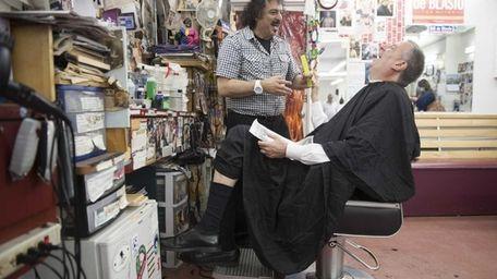 Alberto Amore cuts New York City Democratic mayoral
