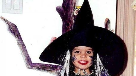 Vanessa Prado tweeted her Halloween pic as a