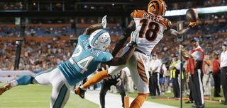 Cincinnati Bengals wide receiver A.J. Green (18) can't