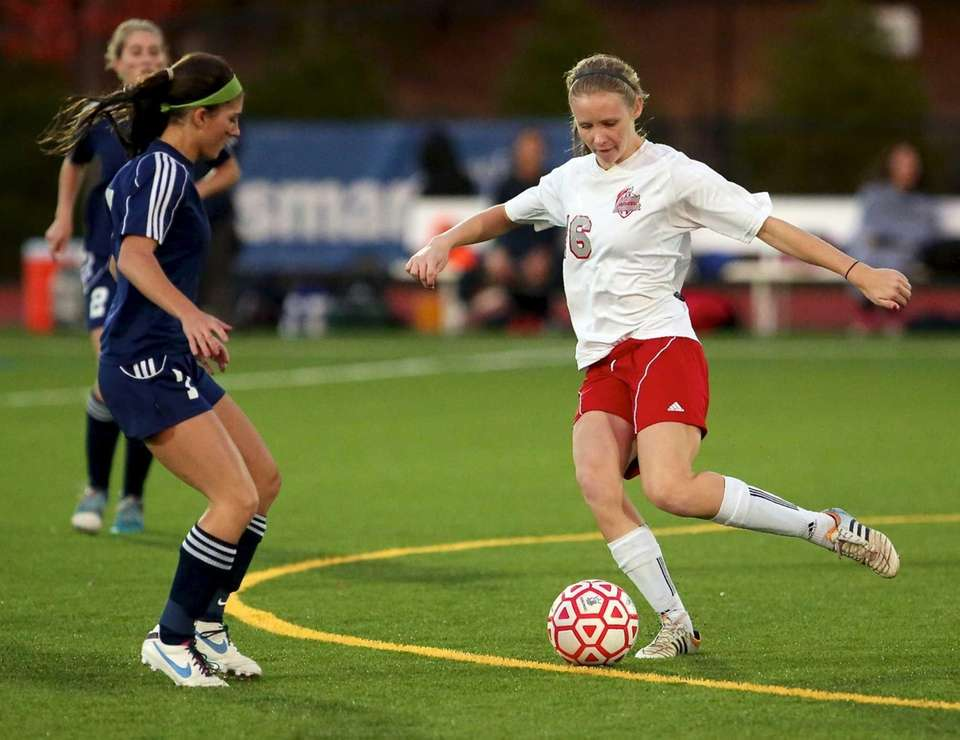 Southold's Megan VanBourgondien puts the fake on Stony