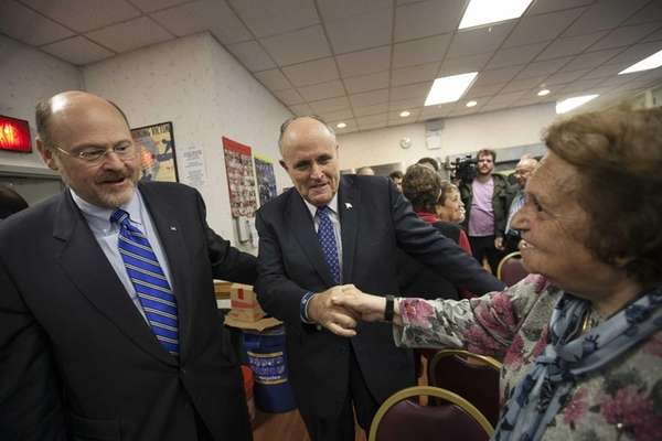 Joe Lhota campaigns with former Mayor Rudy Giuliani
