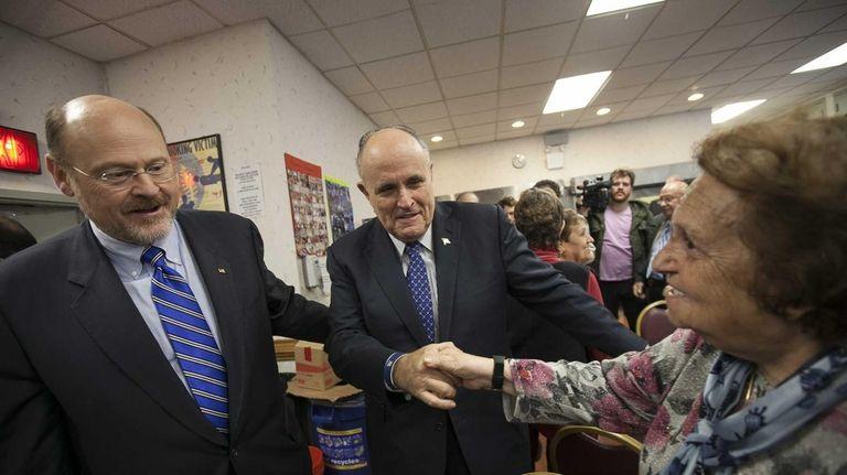 Joe Lhota campaigns with former Mayor Rudy Giuliani