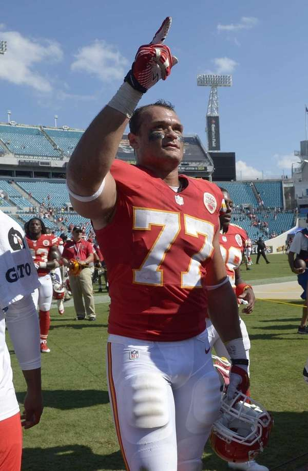 Kansas City Chiefs defensive end Mike Catapano acknowledges