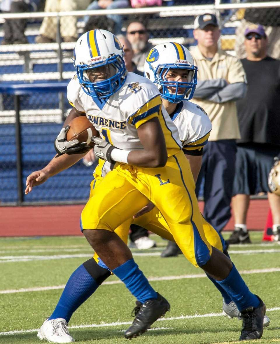 Lawrence's Jordan Fredericks rushes against Bethpage. (Nov. 2,
