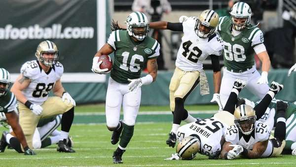 Jets wide receiver Josh Cribbs (16) runs upfield