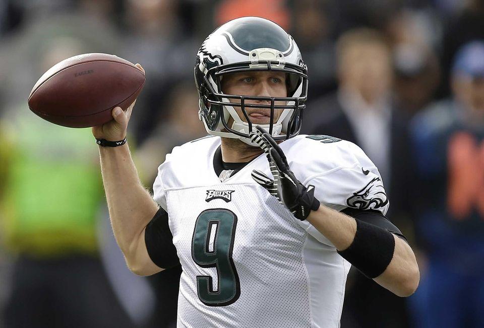 Philadelphia Eagles quarterback Nick Foles (9) passes against