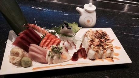Chirashi at Kumo Sushi Hibachi & Lounge in