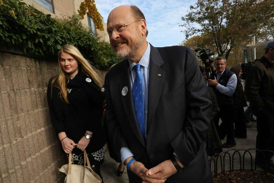 Republican mayoral candidate Joe Lhota, with his daughter,