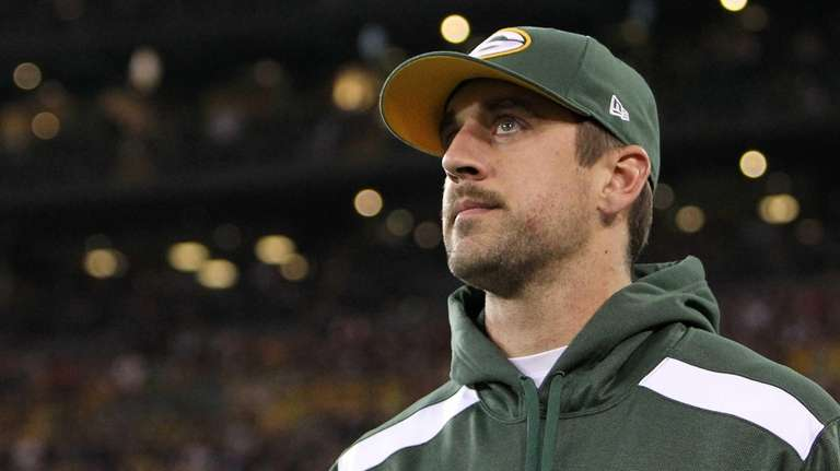 Green Bay Packers quarterback Aaron Rodgers returns to
