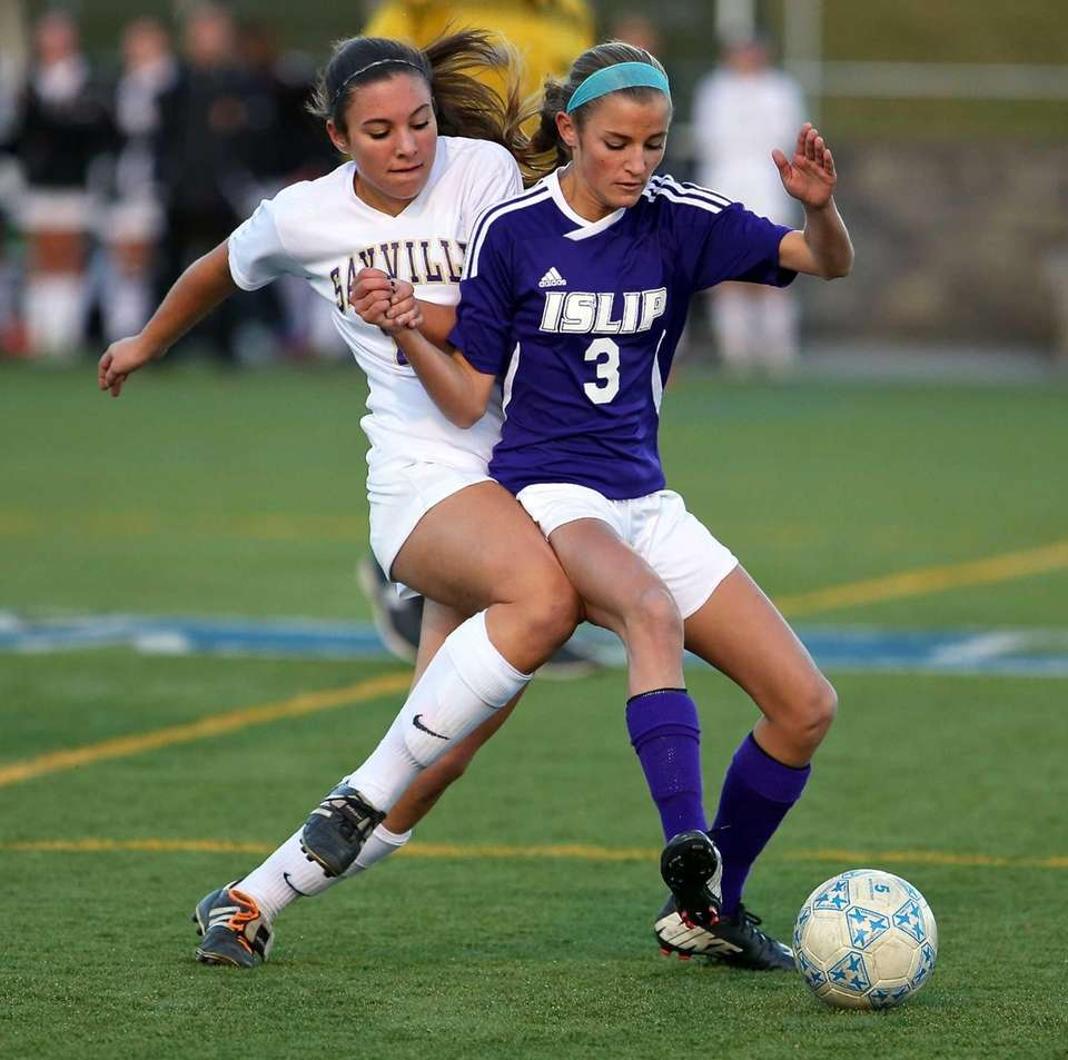 Islip's Mary O'Hara and Sayville's Ashley Coia fight