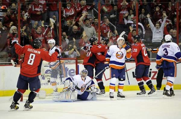 Washington Capitals center Marcus Johansson (90) celebrates his