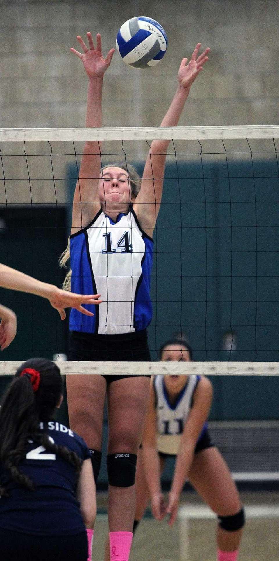 Long Beach's Alex Price goes for the block