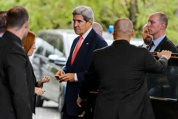 Secretary of State John Kerry arrives in Geneva,