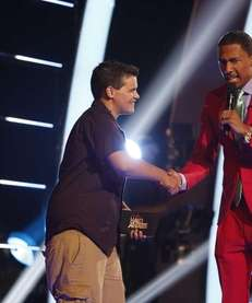 2013 TeenNick HALO Awards host Nick Canon surprises