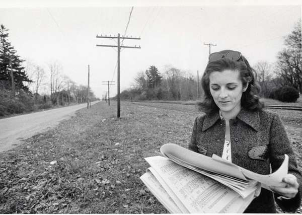 Newsday reporter Annabelle Kerins tries to locate property
