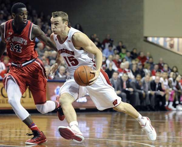 Wisconsin's Sam Dekker drives to the basket against