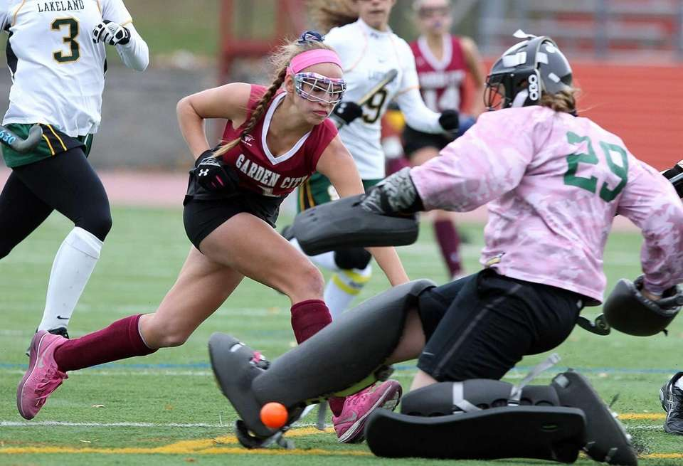 Garden City's Michaela Bruno tries to get ball