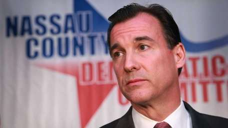 Thomas Suozzi speaks to his supporters following his
