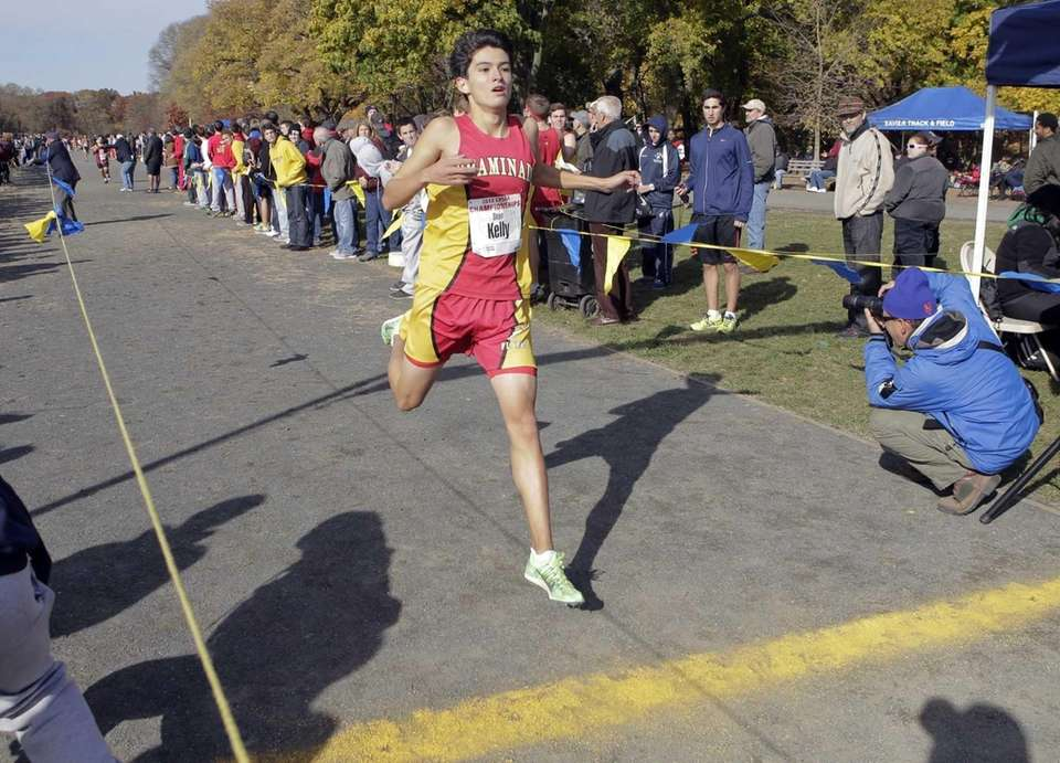 Sean Kelly of Chaminade finishes second in the