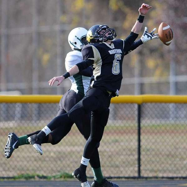 Wantagh's Dylan Beckwith reaches for a pass that