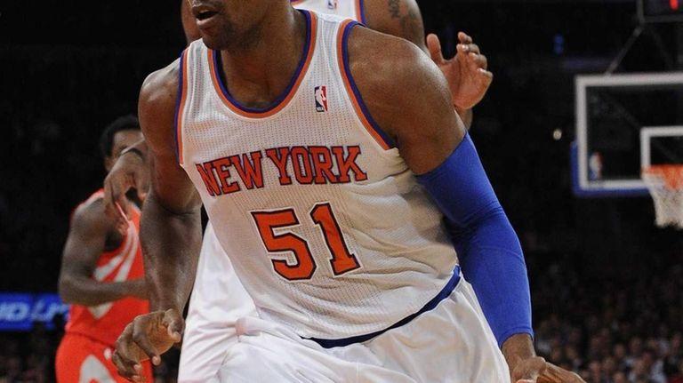 Knicks forward Metta World Peace drives the basketball