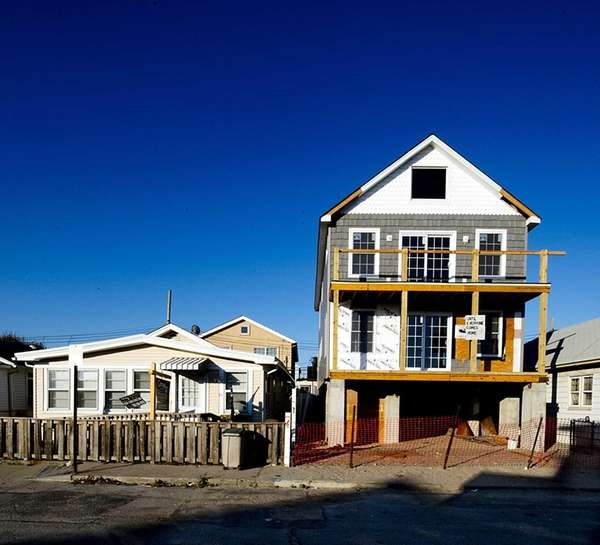 Homes on Pennsylvania Avenue in Long Beach for