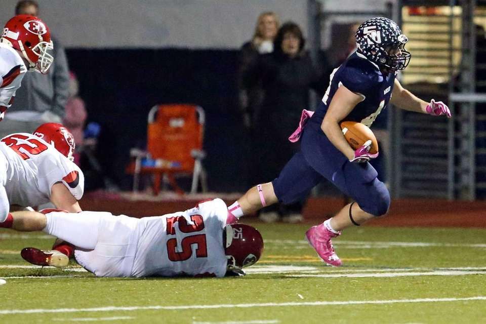 Smithtown West RB Logan Greco turns upfield after