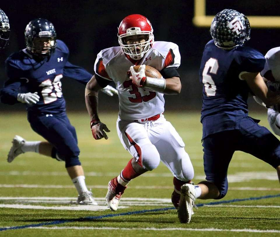East Islip RB Erik Adon picks up some