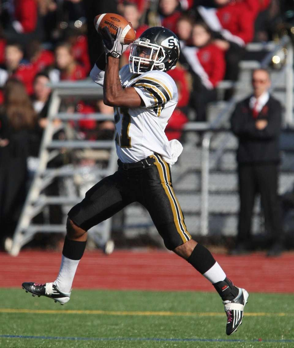 Sachem North's Kevin Bragaglia pulls in a pass