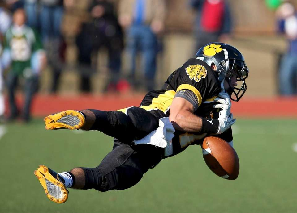 Commack wide receiver Matt Recek cannot hold onto