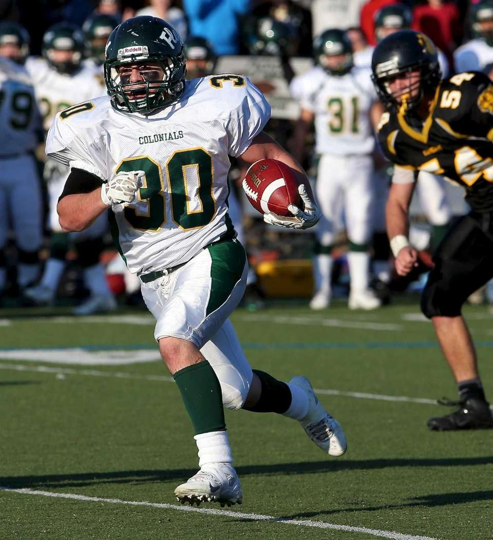 William Floyd running back Vinny Labate (30) runs