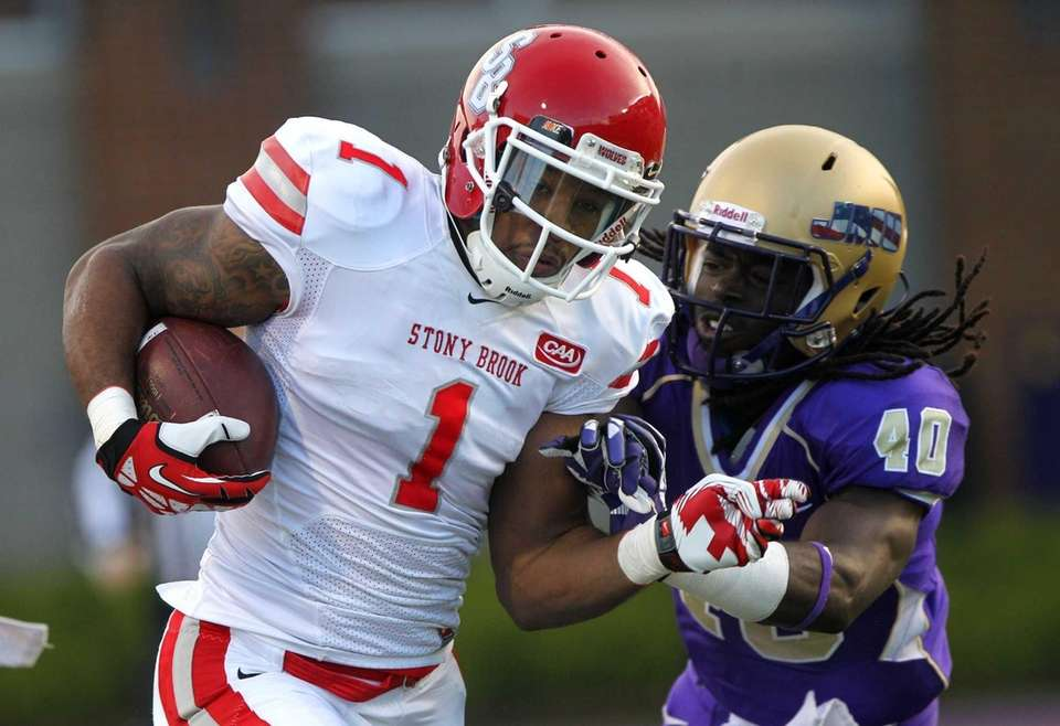 Stony Brook wide receiver Adrian Coxson runs for