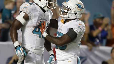 Miami Dolphins tight end Charles Clay (42) is