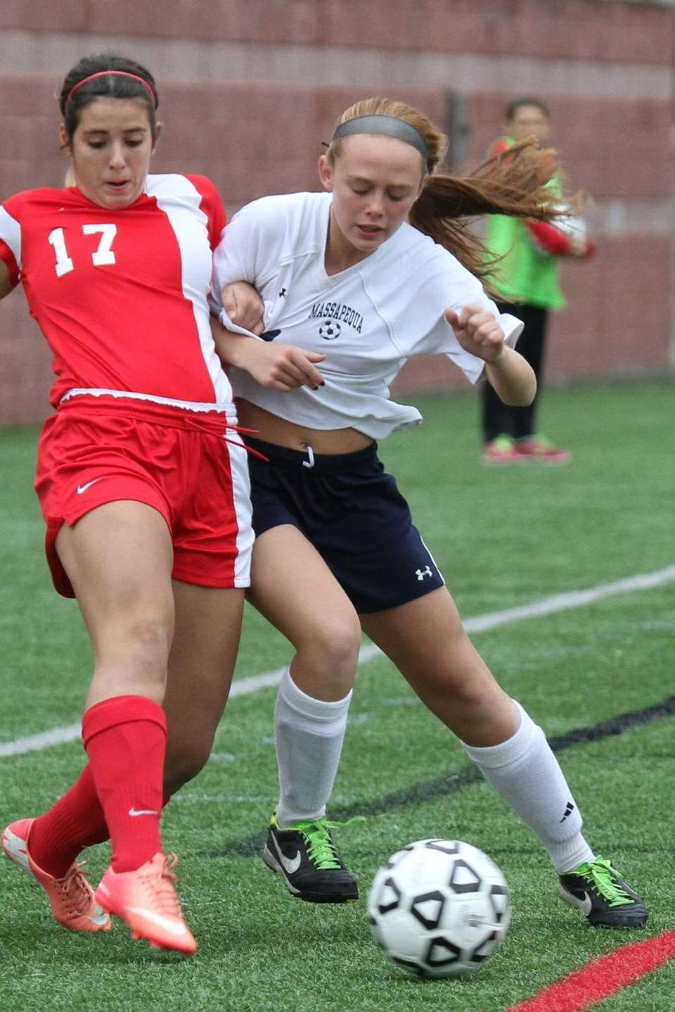 Massapequa's Sara Mangialardi holds off North Rockland's Brianna