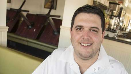 Chef Stephen Cardello shows Thanksgiving Hash with Cranberry-Butter